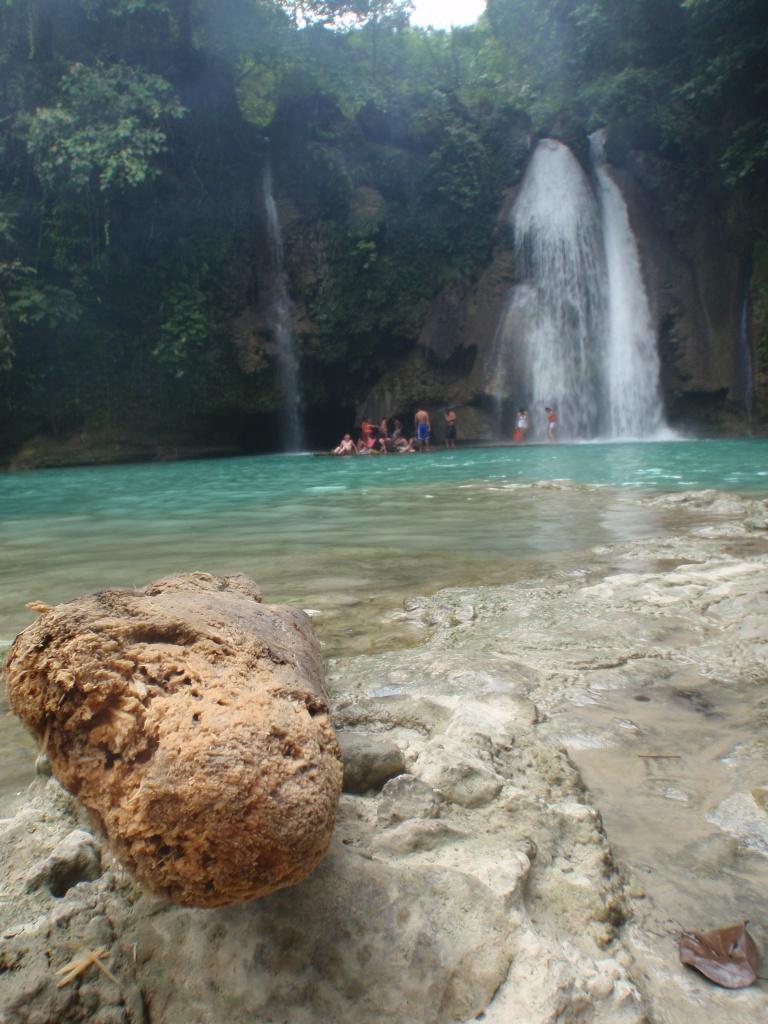 beautiful kawasan falls
