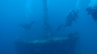 Around a wreck!